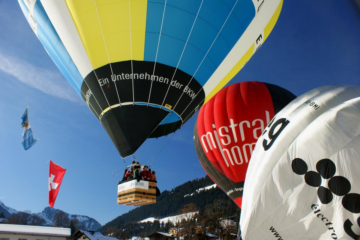ballonpilot.ch wieder mit dabei am festival de ballons in chateau d'oex