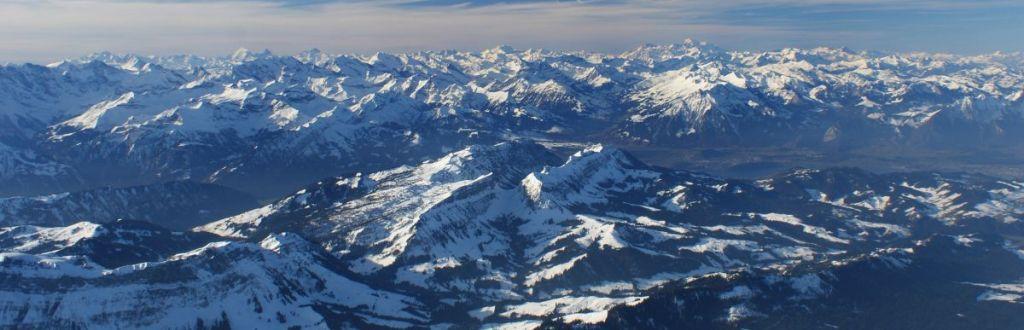 Ballonfahrt in den Alpen mit Ballonpilot