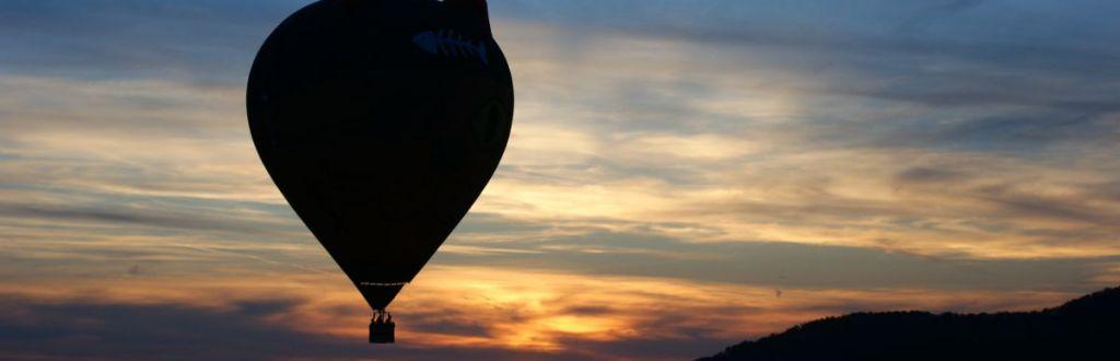 Ballonfahrt in den SOnnenuntergang mit Ballonpilot